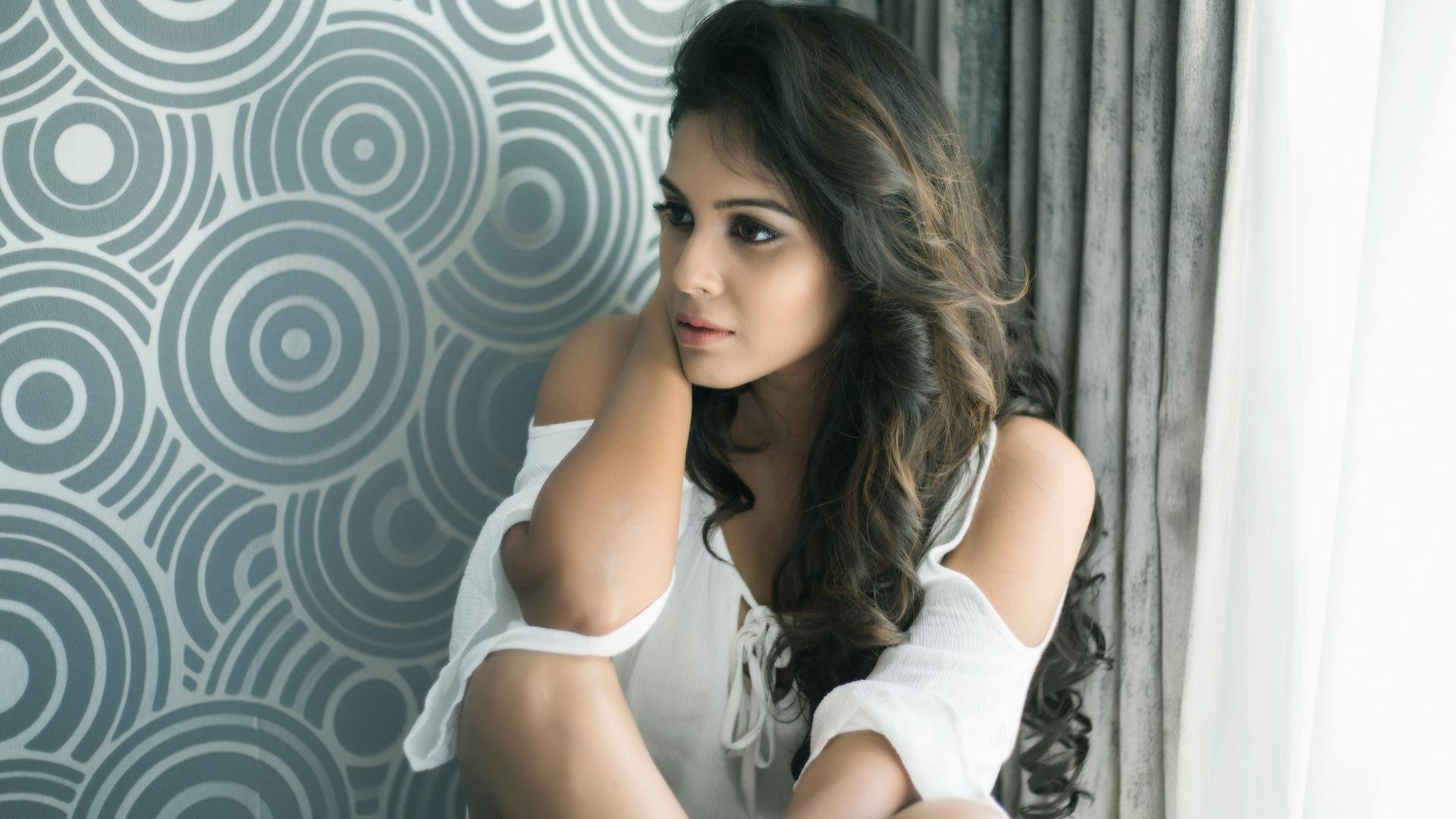 Actress Chandini signs consecutive projects with Balaji Sakthivel & Radha Mohan-SJ Suryah
