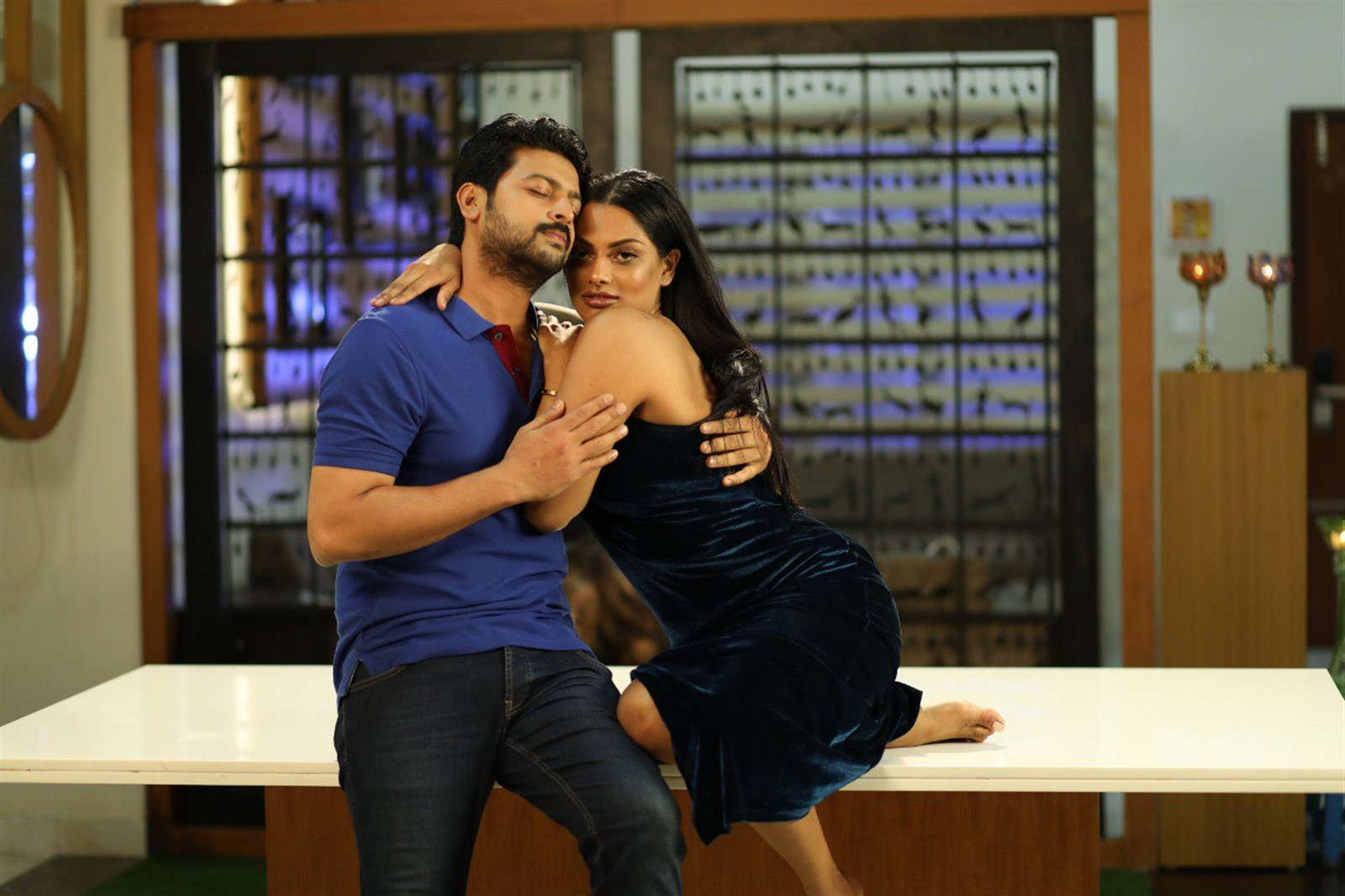Srikanth, Chandrika Ravi in Un Kadhal Irundhal Movie Pics