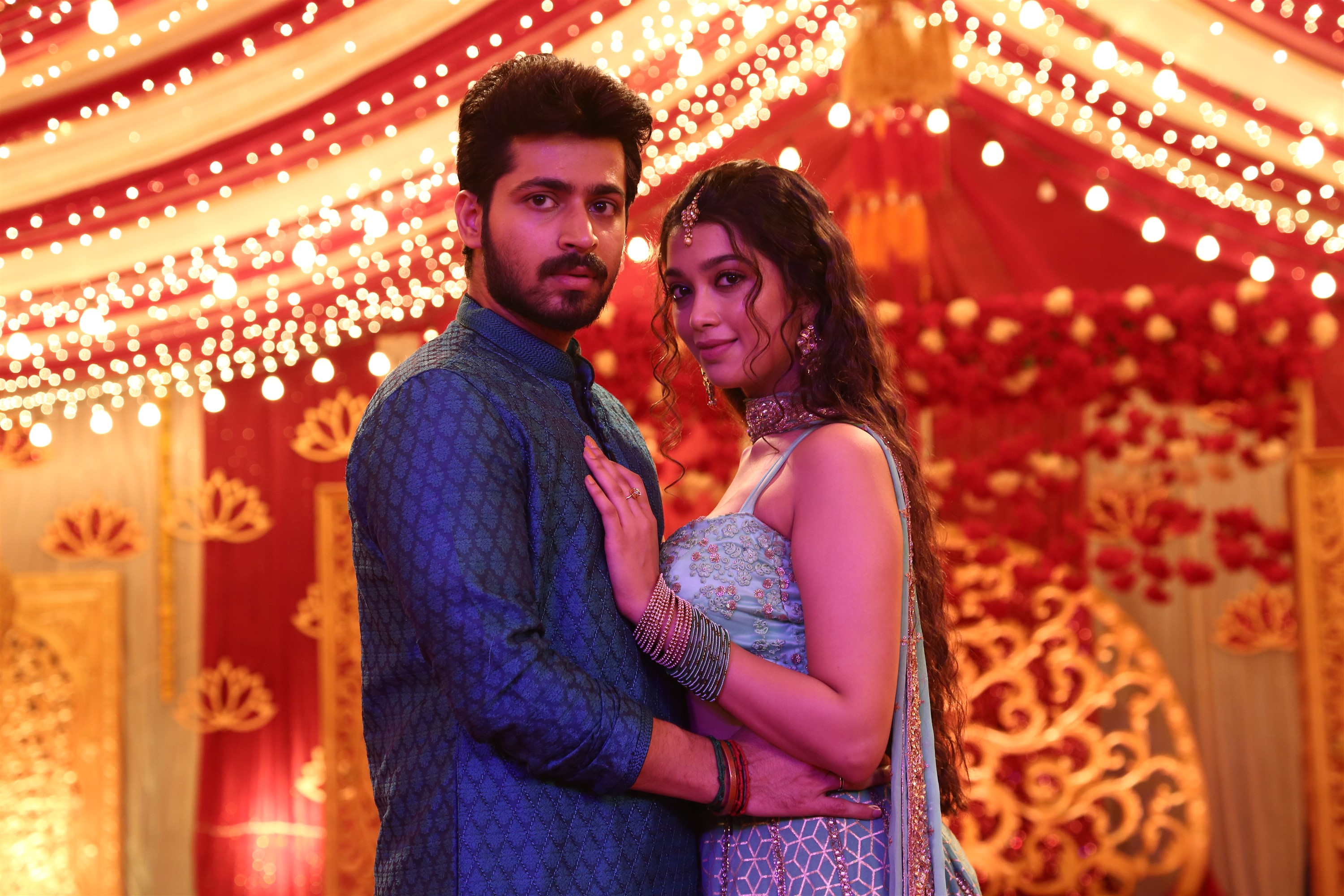 Harish Kalyan, Digangana Suryavanshi in Dhanusu Raasi Neyargale Movie Images
