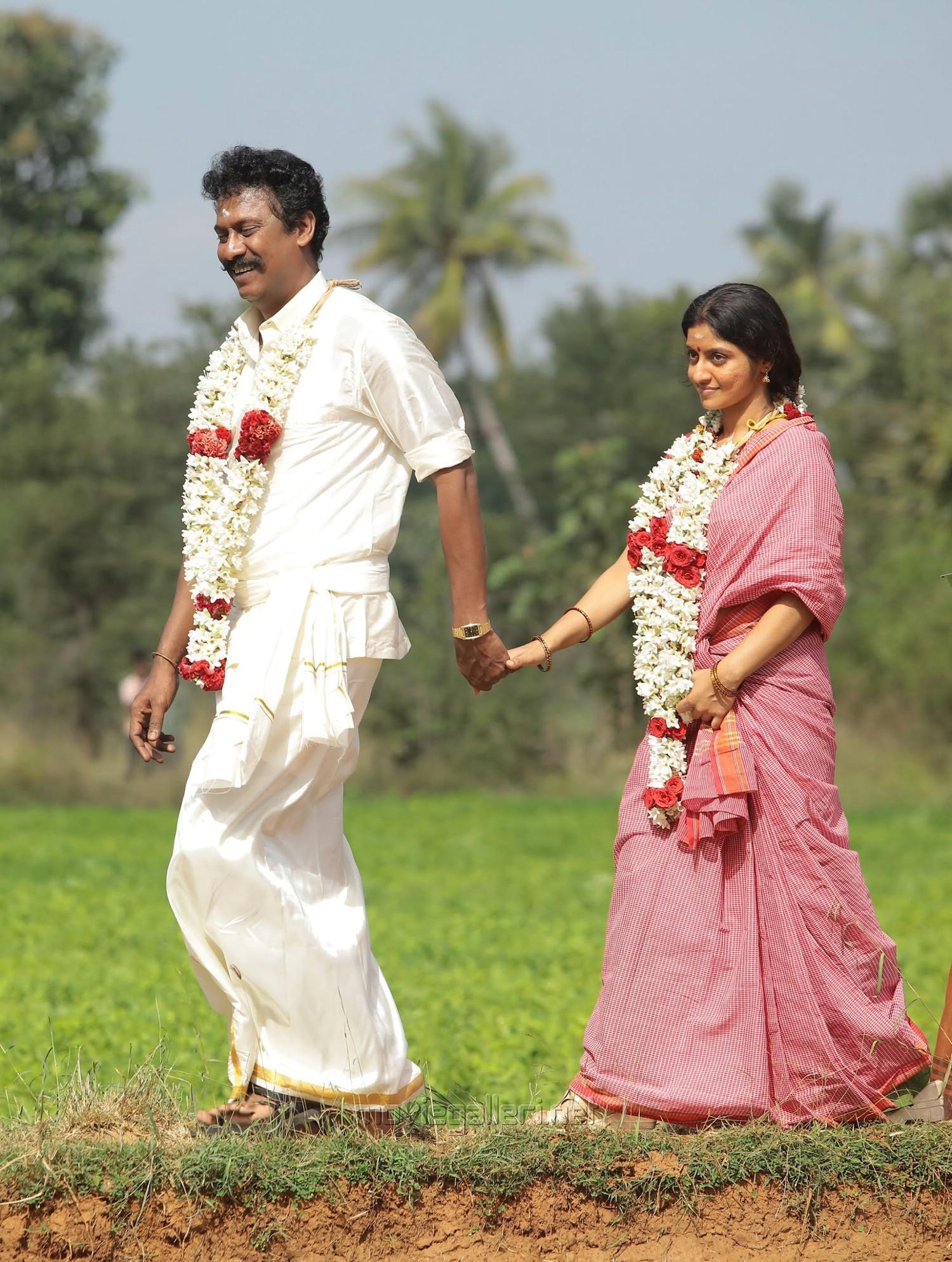 Samuthirakani, Athmiya in Vellai Yaanai Movie Stills HD