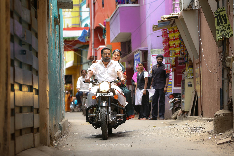 Sarathkumar, Radhika in Vaanam Kottattum Movie Stills HD