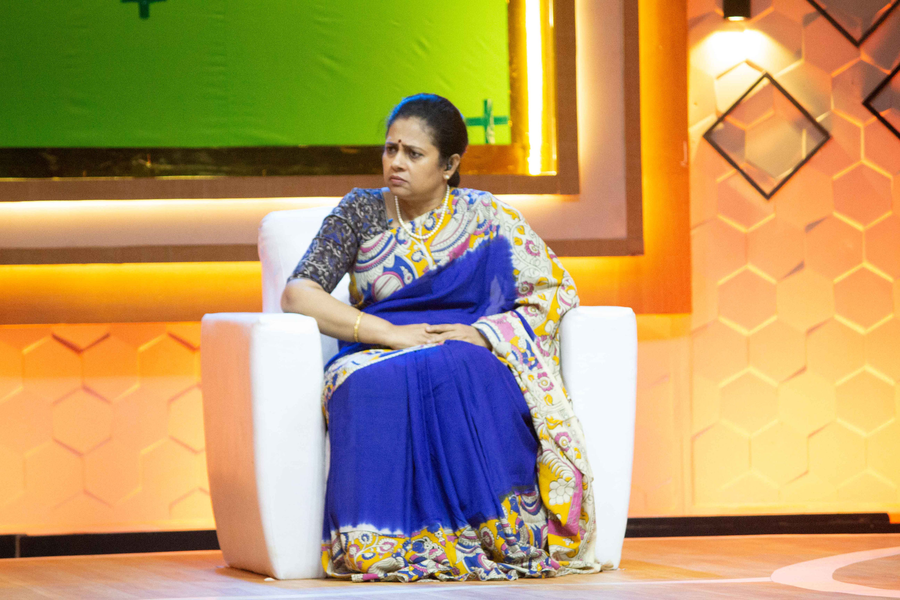 Actress Lakshmi Ramakrishnan Nerkonda Paarvai on Kalaignar TV