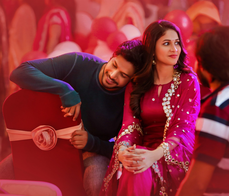 Sundeep Kishan Lavanya Tripathi A1 Express Movie HD Stills