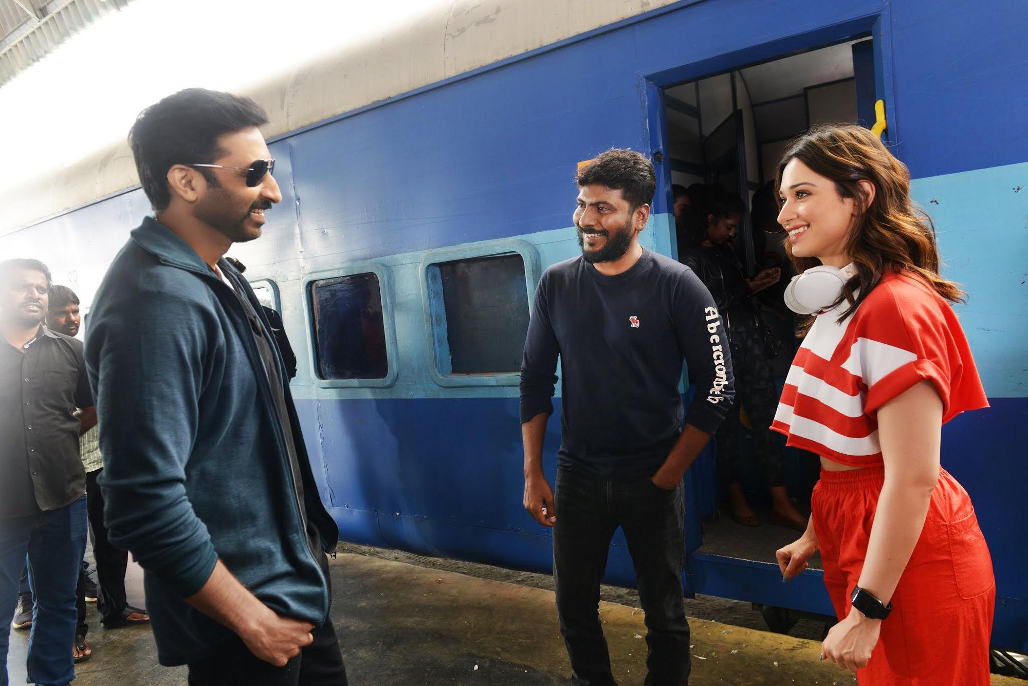 Gopichand & Tamannaah as Coach For Andhra & Telangana Kabaddi Team In Seetimaar Movie