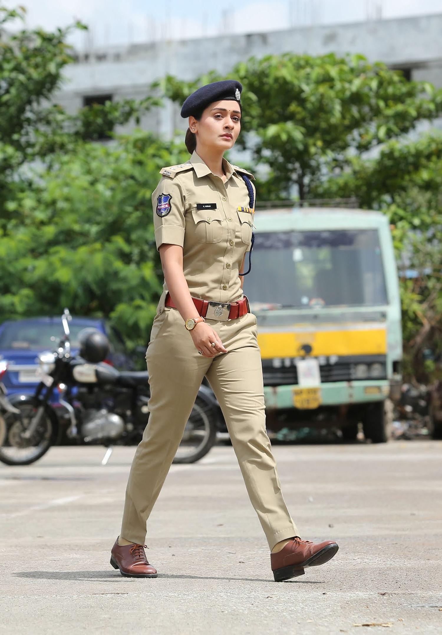 Heroine Payal Rajput 5WS Movie release in January
