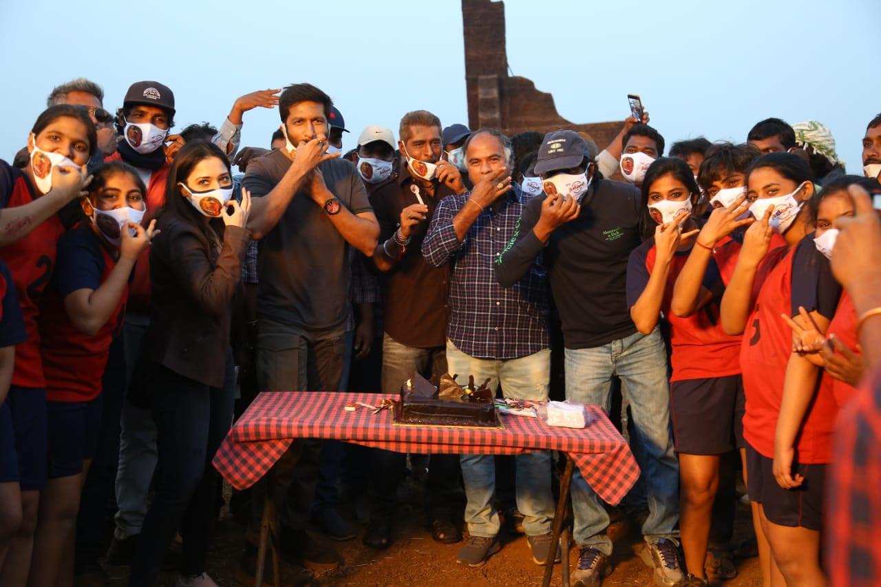Gopichand Tamannaah Sampath Nandi Seetimaarr Movie Climax Shoot