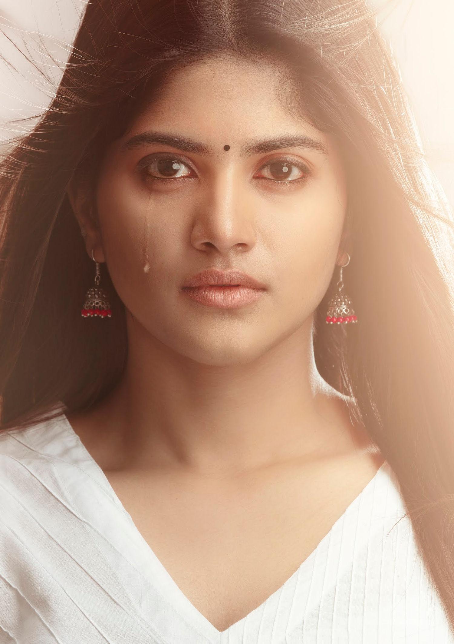 Heroine Megha Akash Dear Megha Movie HD Picture