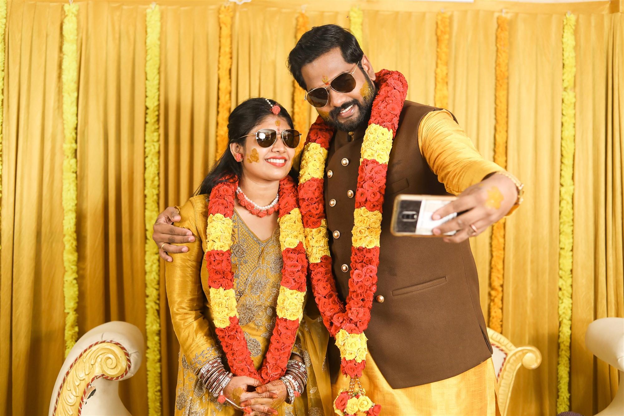 Vini Shamu Director Karthik Yogi Wedding Images HD