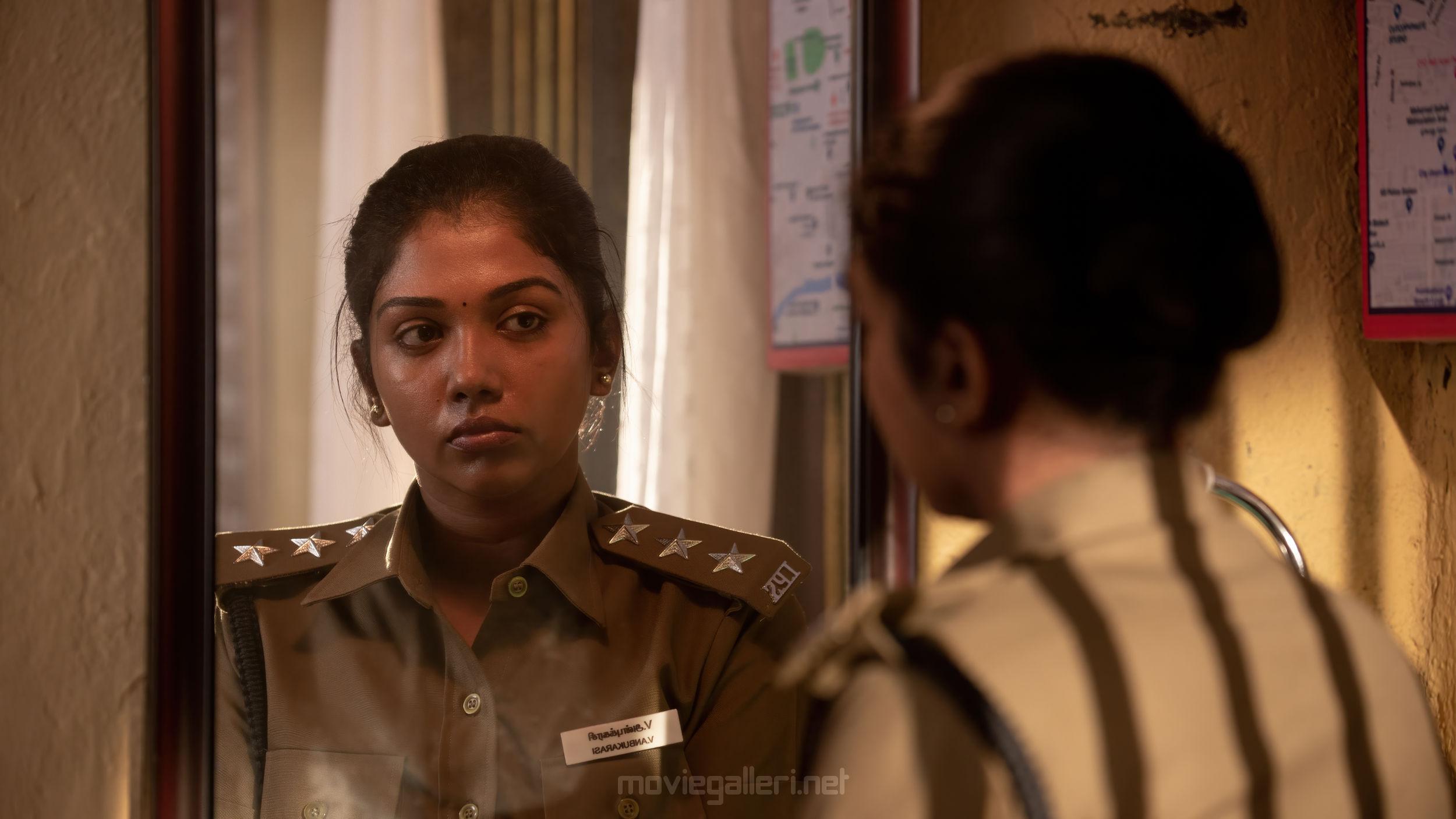 Actress Riythvika Navarasa Roudhram HD Pics