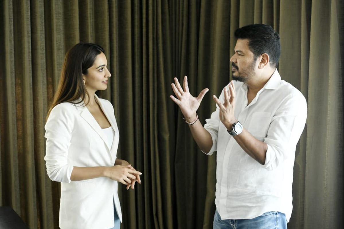 Kiara Advani, Director Shankar @ RC15 film