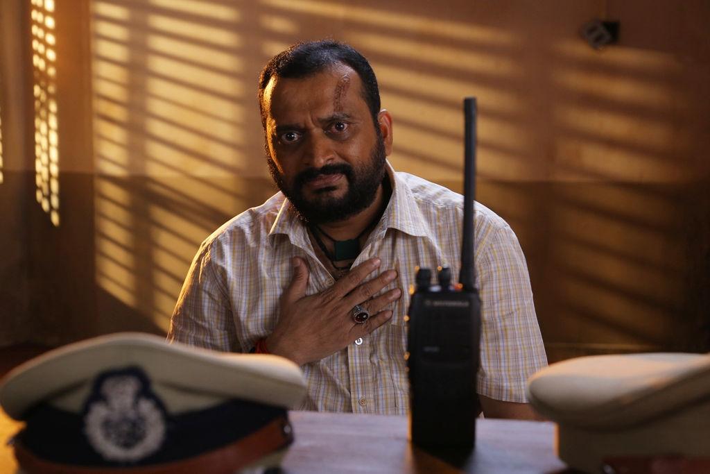 Bandla Ganesh in Oththa Seruppu Size 7 Telugu Remake