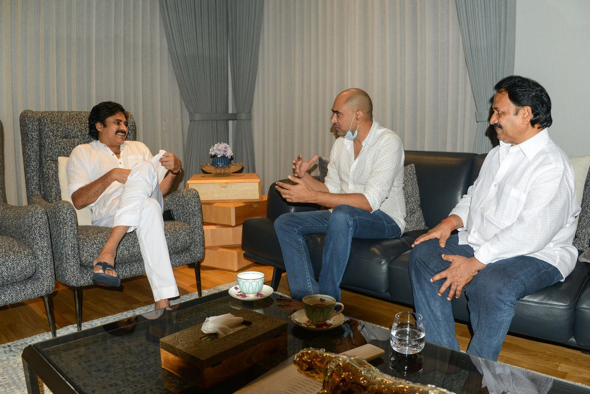 Krish, AM Rathnam meet Pawan Kalyan, Hari Hara Veera Mallu shoot to resume soon