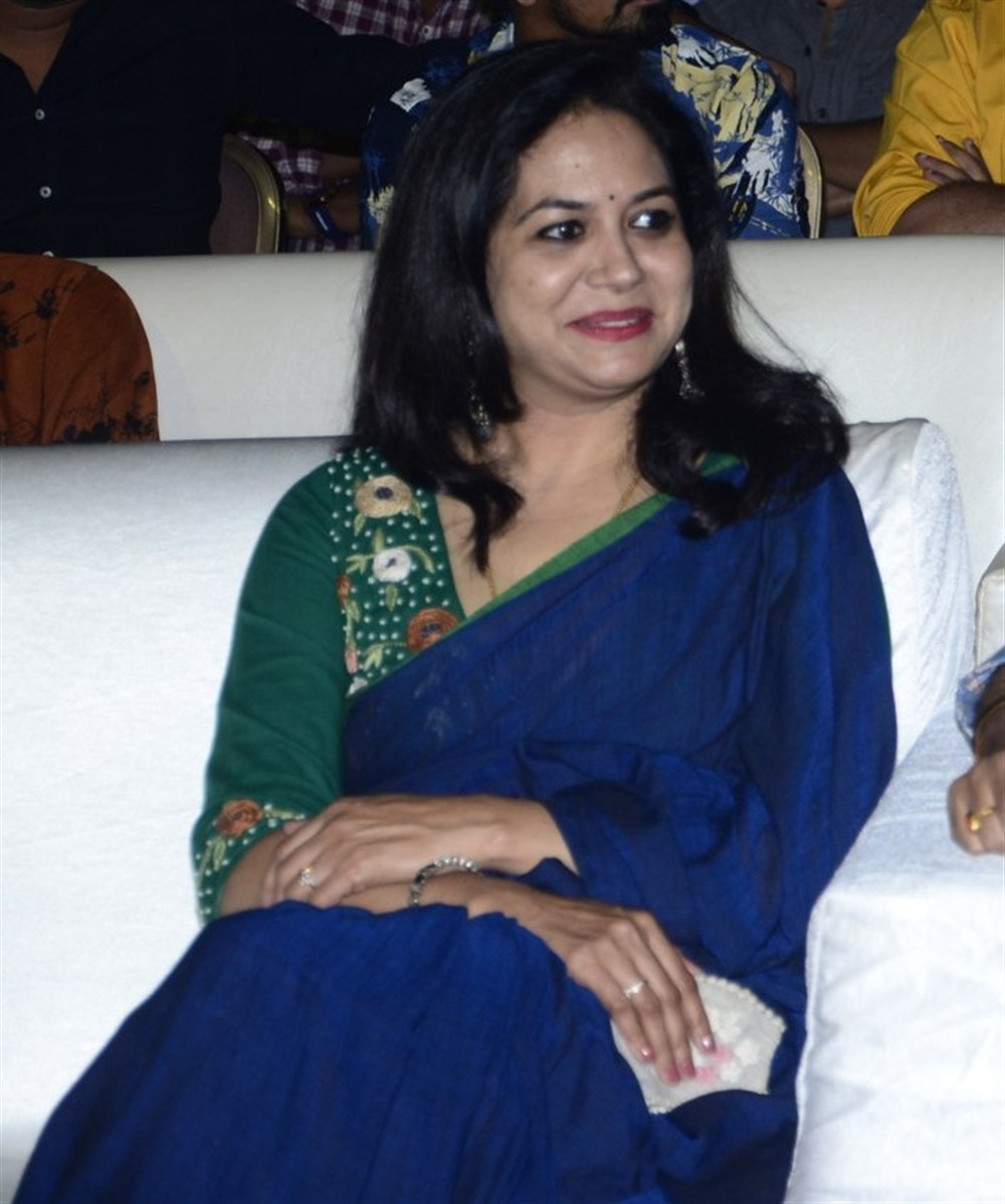 Singer Sunitha Blue Saree Pictures @ Gully Rowdy Pre Release