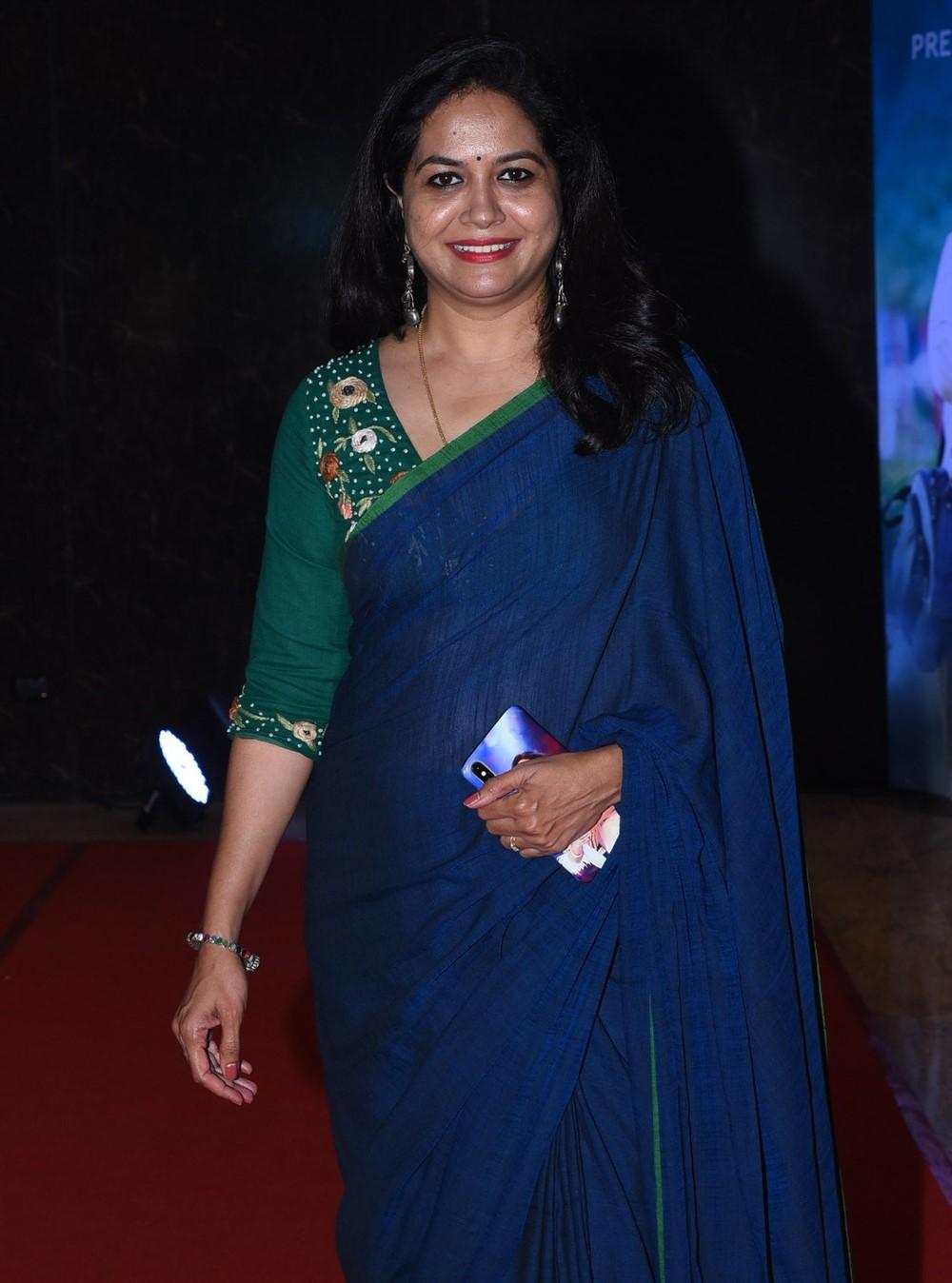 Singer Sunitha Upadrashta Blue Saree Pictures