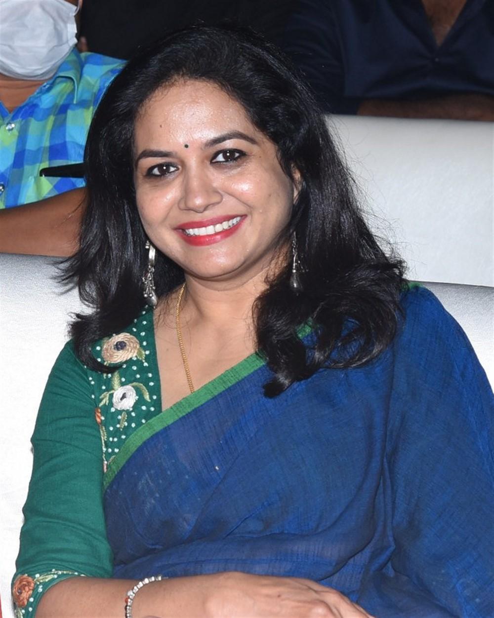 Telugu Singer Sunitha Pictures @ Gully Rowdy Pre Release